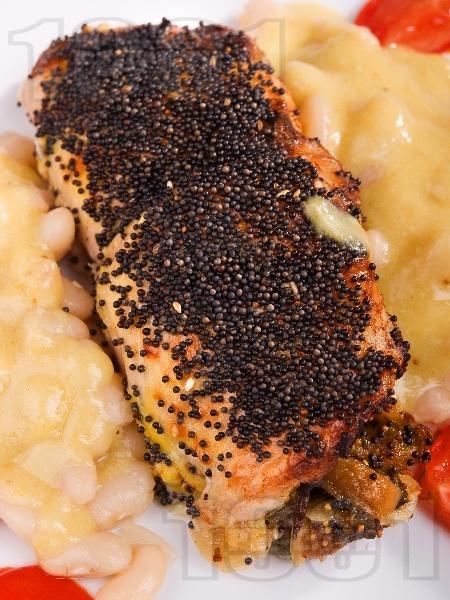 Синапово пилешко руло с гъби - снимка на рецептата